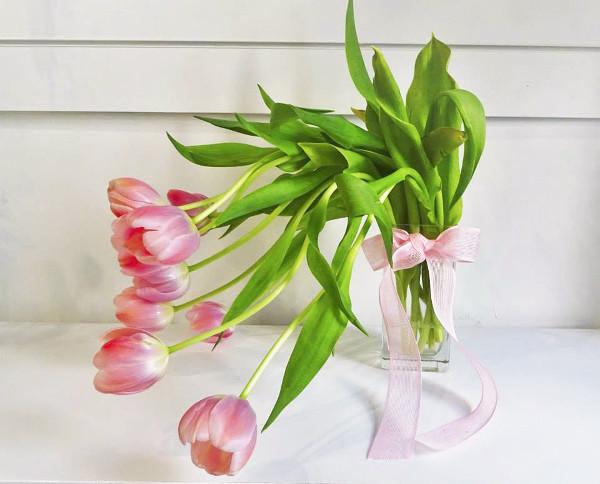 Búcaro de Tulipanes
