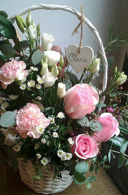cesta flores nacimiento