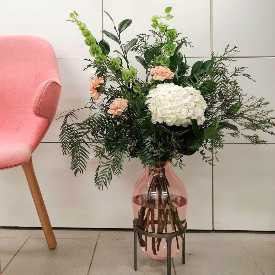 imagen corporativa hoteles con encanto flores en rosa